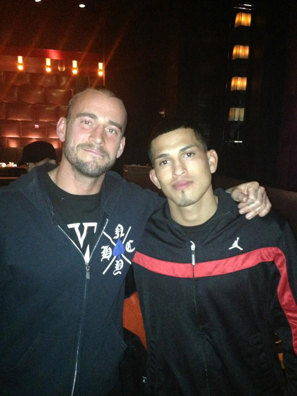 anthony-pettis-cm-punk