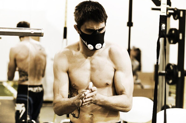 carlos-condit-elevation-training-mask